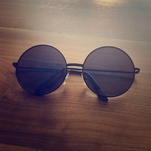 Free People black/blue tint round sunglasses